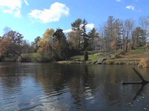 Video bass fishing report upper grand river lansing youtube for Grand river fishing