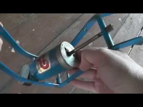 видео: Ремонт ножного насоса для авто мото и  велосипеда