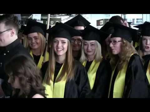 Šiaulių universiteto absolventams įteikti diplomai