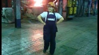 видео Работа литейного завода