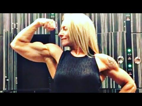 Big muscle woman flexing her powerful 16 inch bicepsиз YouTube · Длительность: 1 мин12 с