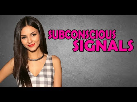 SIGNS SHE'S FLIRTING WITH YOU | SUBCONSCIOUS SIGNALS | DOES SHE LIKE YOU