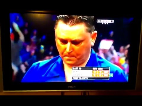 Kevin Painter calls Adrian Lewis a Twat