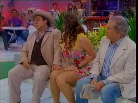 As belas pernas de Lívia Andrade!!