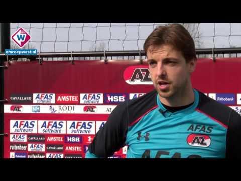 AZ-keeper Tim Krul kijkt uit met duel tegen ADO Den Haag