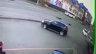 Момент ДТП с мотоциклистом на Алешина Ангарск
