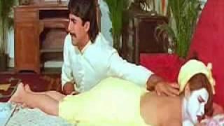 Mamta Kulkarni Back Massage in Towel - Sabse Bada Khiladi (1995)