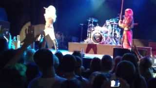 Kesha - Intro/Warrior (Vienna Gassometer 19/7/2013) HD