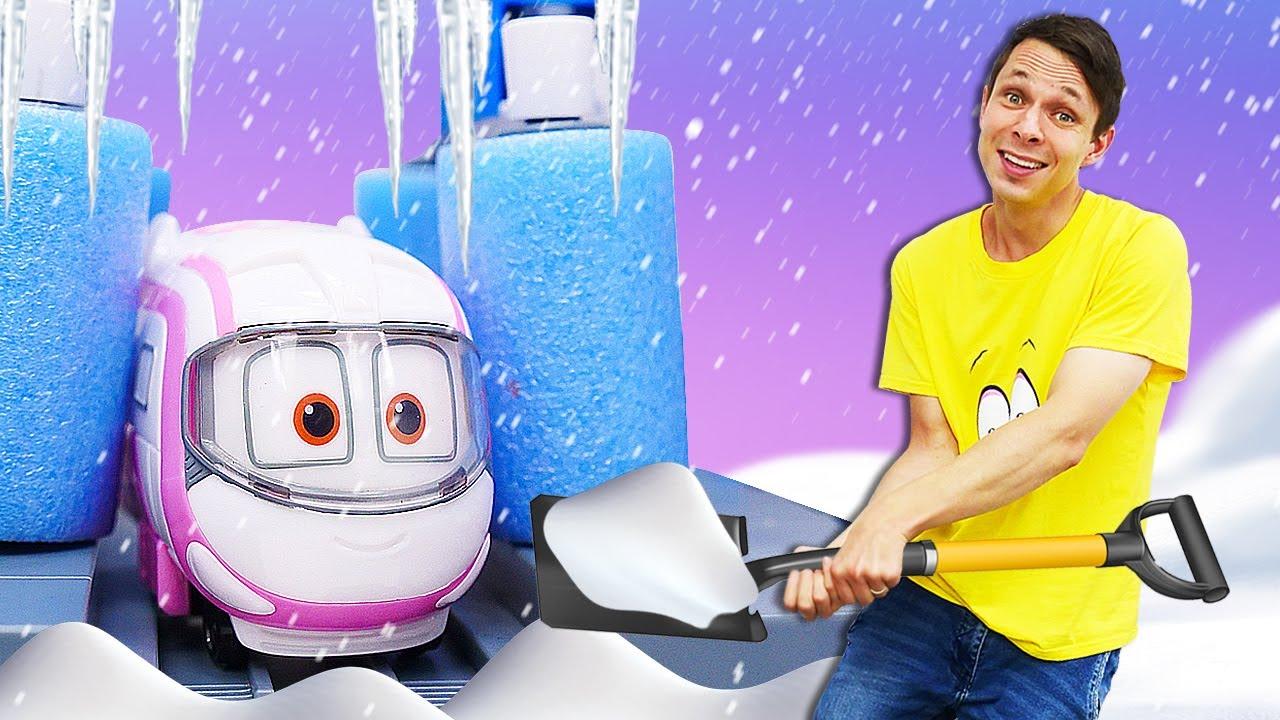 Игрушки Роботы-поезда - новые приключения: Дюк попал в лавину! Веселые игры для мальчиков