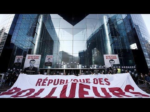 Greenpeace bloqueia entrada do Société Générale