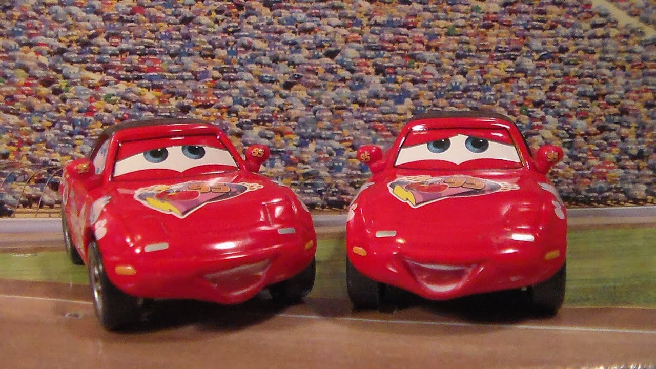 superfan mia and tia new 2015 disney pixar cars race fans movie moment diecast unboxing. Black Bedroom Furniture Sets. Home Design Ideas
