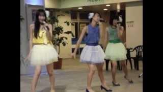 沖縄のご当地アイドル(ロコドル) Lucky Color's (ラッキーカラーズ)2012年10月26日ミュージックタウン1階広場で行われたイベントの動画です。 初めて...