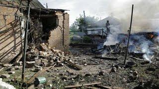 ШОКИРУЮЩЕЕ ВИДЕО! В Луганске растет число жертв среди мирного населения  Украина сегодня, новости