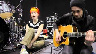Paramore: 200k Members / Looking Up (LIVE ACOUSTIC)