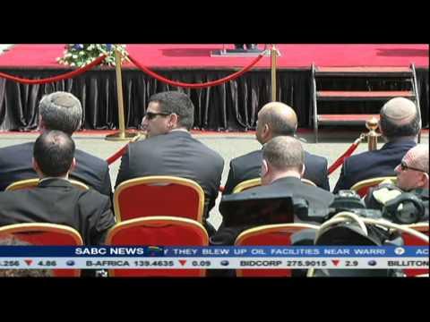 Uhuru Kenyatta urged Israel to re-establish its observer status at the AU