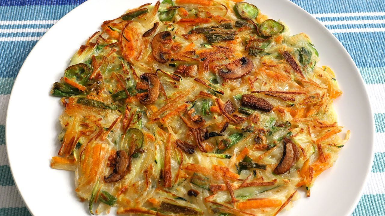 Vegetable Pancake (Yachaejeon: 야채전) - YouTube