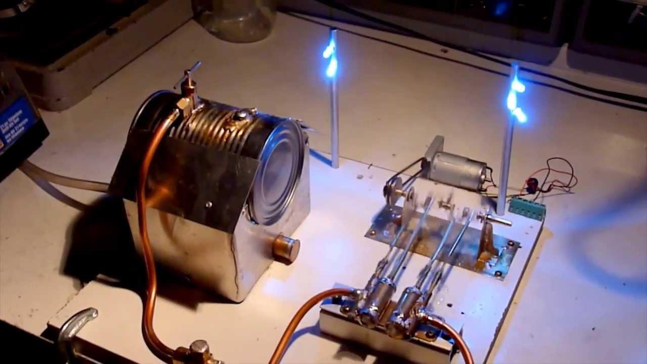 Home made twincylinder steam engine running on live steam