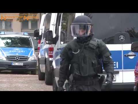 """19.10.2017: Zugriff! Polizeispezialkräfte räumen von Linken besetztes Haus """"Betty"""" in Rostock"""