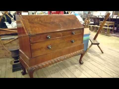 Antique desk: drop front 1800's