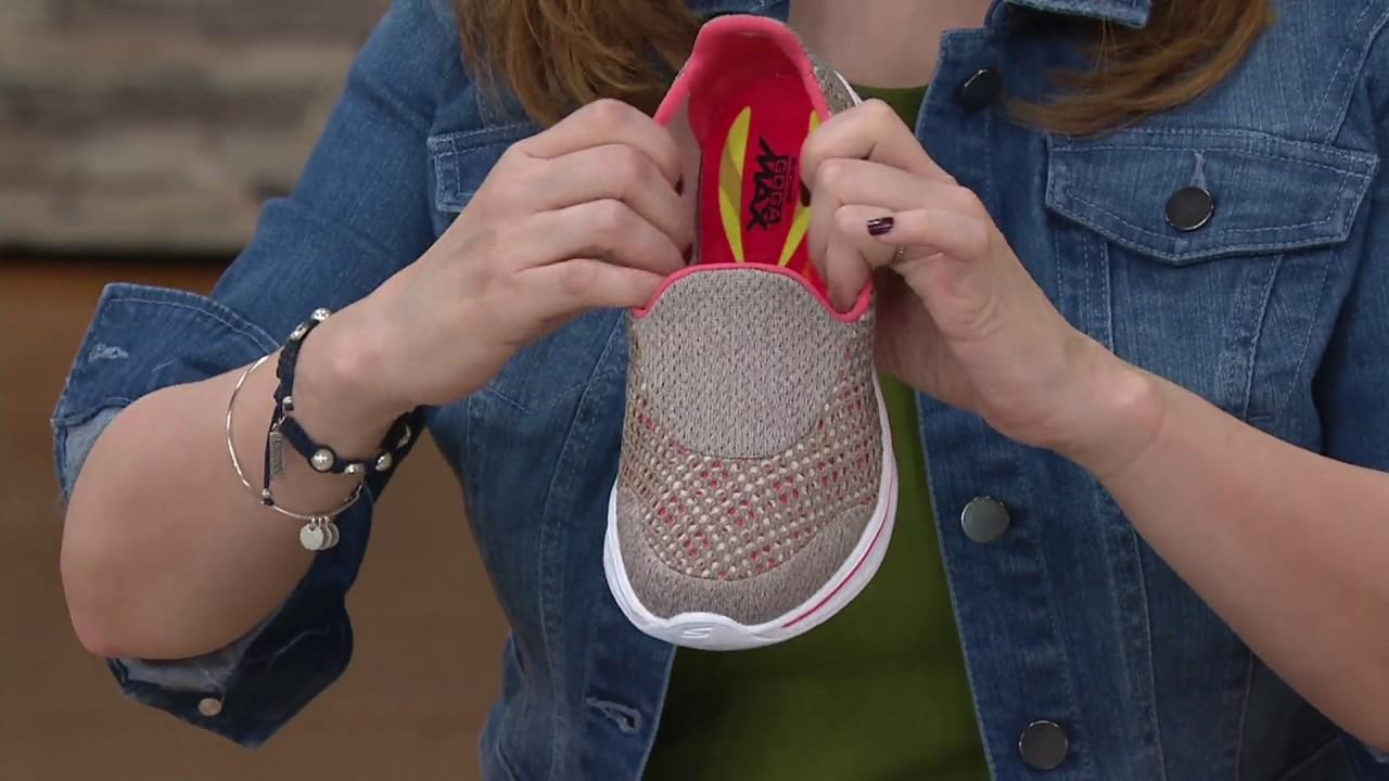 Skechers GOwalk 4 3D Layer Slip-ons