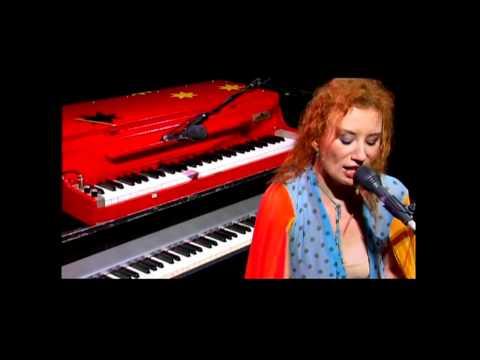 Tori Amos - Precious Things - Live - HD