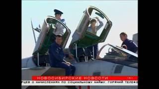 Посетители армейской выставки в Новосибирске держали штурвал самолета и приценялись к «Тигру»