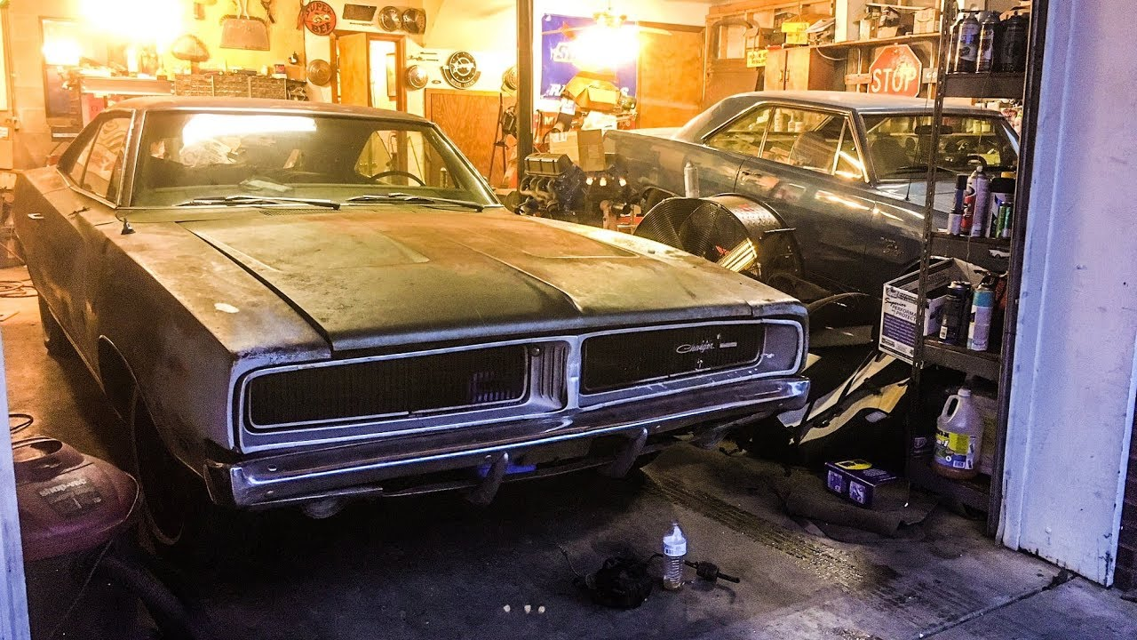 ABANDONED 1969 Dodge Charger In Depth Look!