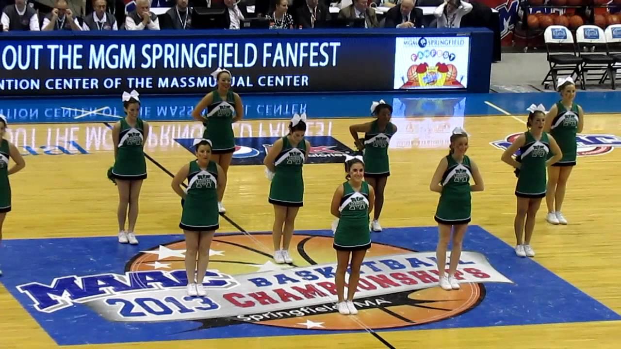 Manhattan College Cheerleaders vs Loyola, MD - MAAC ...