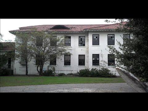 Urban Exploration Abandoned Buildings:  The Charleston Naval Hospital