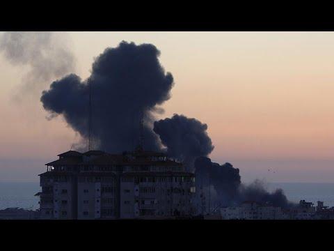 مقتل 10 من أفراد أسرة فلسطينية واحدة في قصف إسرائيلي على قطاع غزة …  - نشر قبل 3 ساعة