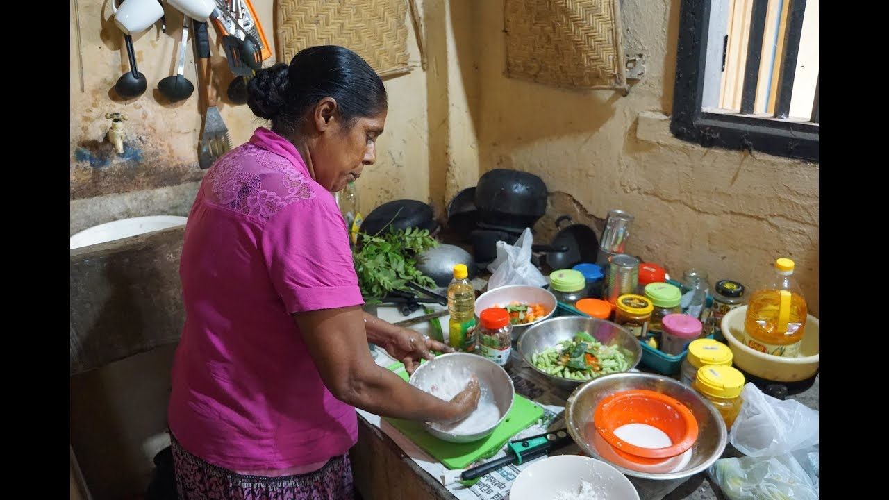 Sri lankan cooking traditional kitchen village cooking - Sri lankan passport office in colombo ...