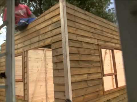 Wendy house building time lapse youtube for Building a wendy house from pallets