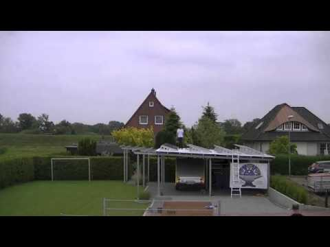montage einer zws photovoltaik anlage auf dem dach eines carports aus stahl youtube. Black Bedroom Furniture Sets. Home Design Ideas