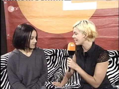 Alizée - Interview  (2002-07-06 - Wetten Dass - ZDF)
