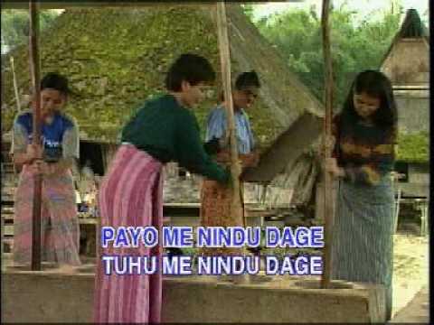 Batak Karo - Mbuah Page + lirik  [HD]