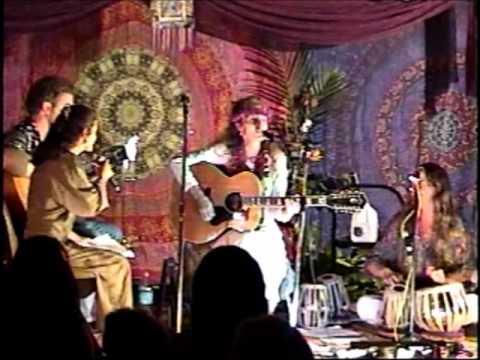 Singh Kaur Lorellei - Live at Old Maui High in Hawaii Jan 1998