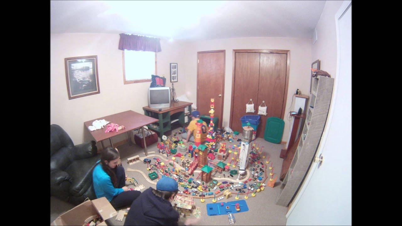 Time Lapse: Building a Toy City-ECMW Films - YouTube