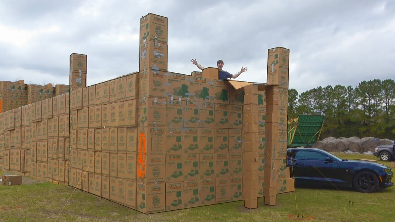 i-built-a-mansion-using-only-cardboard-boxes