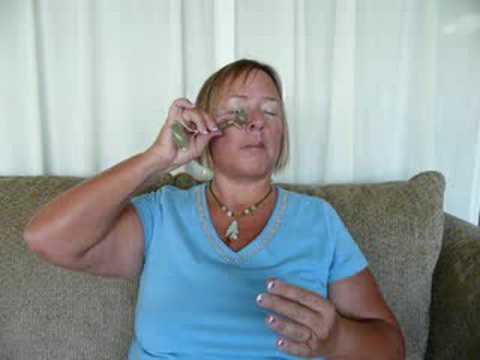 Jade Roller Forehead Wrinkle Reducer