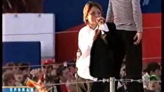 Диана Арбенина-Ты одессит Мишка.(Диана Арбенина-Ты одессит Мишка. Видео с концерта на Красной площади в день победы 09.05.2007., 2011-02-07T11:00:33.000Z)