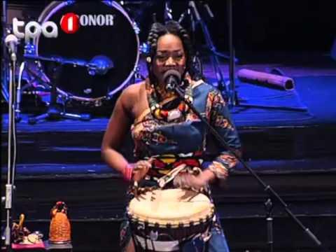 Vivalda Dula ''Henda Mua Ngola'' (Luanda, Angola)