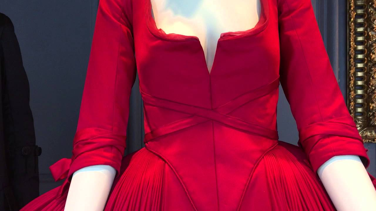 The Red Dress For Outlander S Claire Fraser Youtube