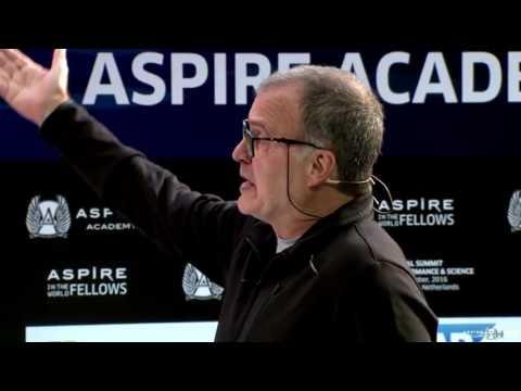 Marcelo Bielsa, en la Aspire Academy - Día 1