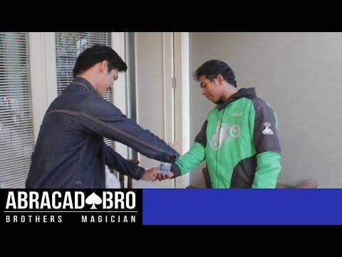 GOJEK vs PESULAP - abracadaBRO Street Magic Prank Indonesia