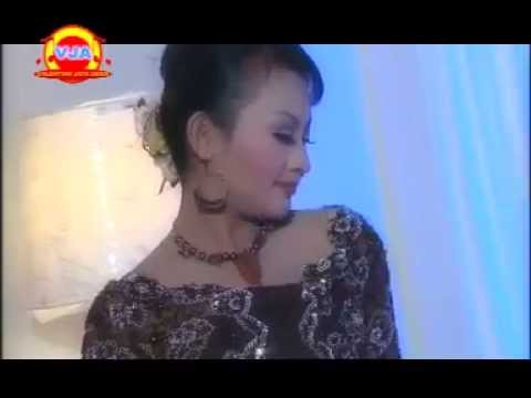 Dewi Azkia - Mumunggang Endah
