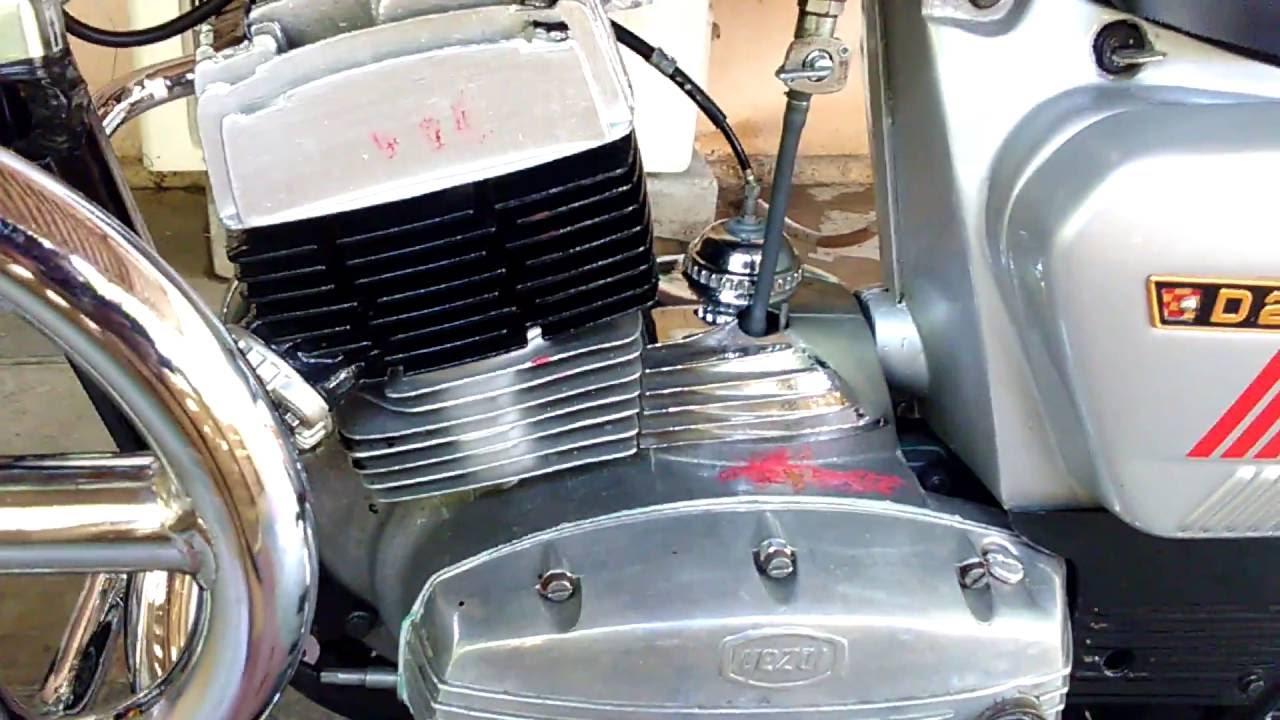 Yezdi D250 Classic (Brand new engine sound)YEZDI JAWA GENUINE SPARES  AVAILABLE 9491220222