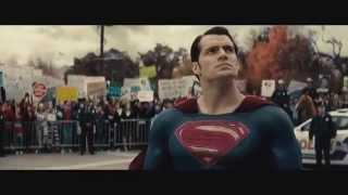Batman v Superman: El Amanecer de la Justicia – Tráiler Comic-con en español HD