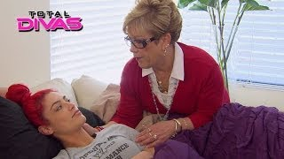 Eva marie's family comes to visit: total divas, april 20, 2014