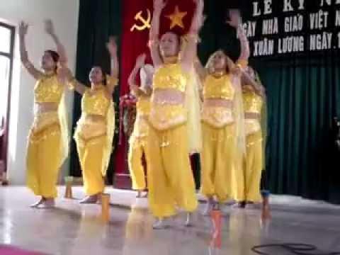 Múa Về quê cũ - Trường Xuân Lương - Yên Thế biểu diễn