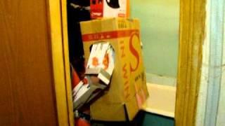 озабоченный робот трахает бытовую технику